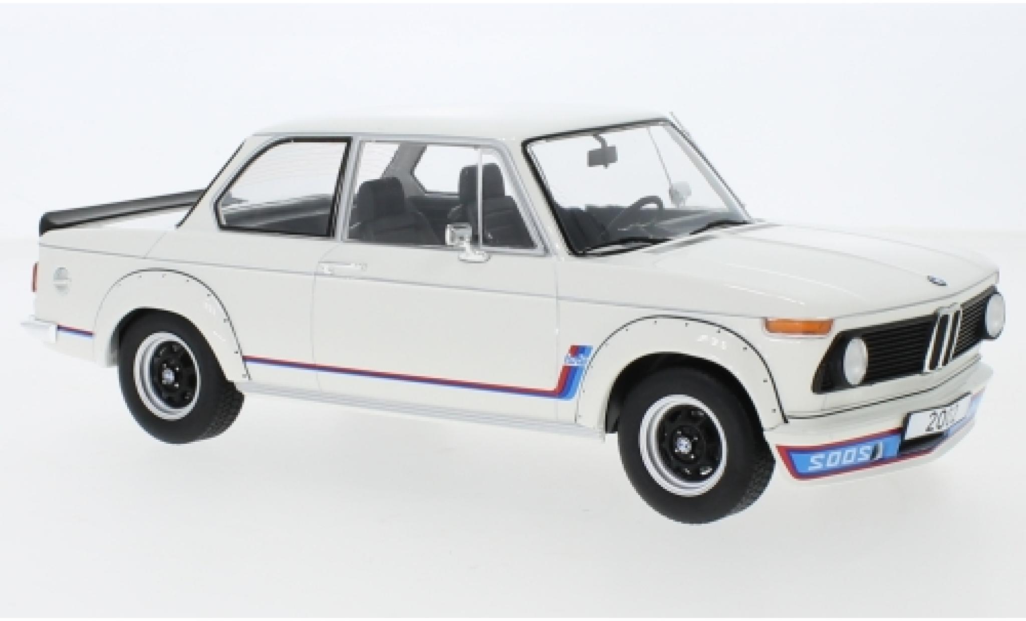 Bmw 2002 1/18 MCG Turbo blanche 1973