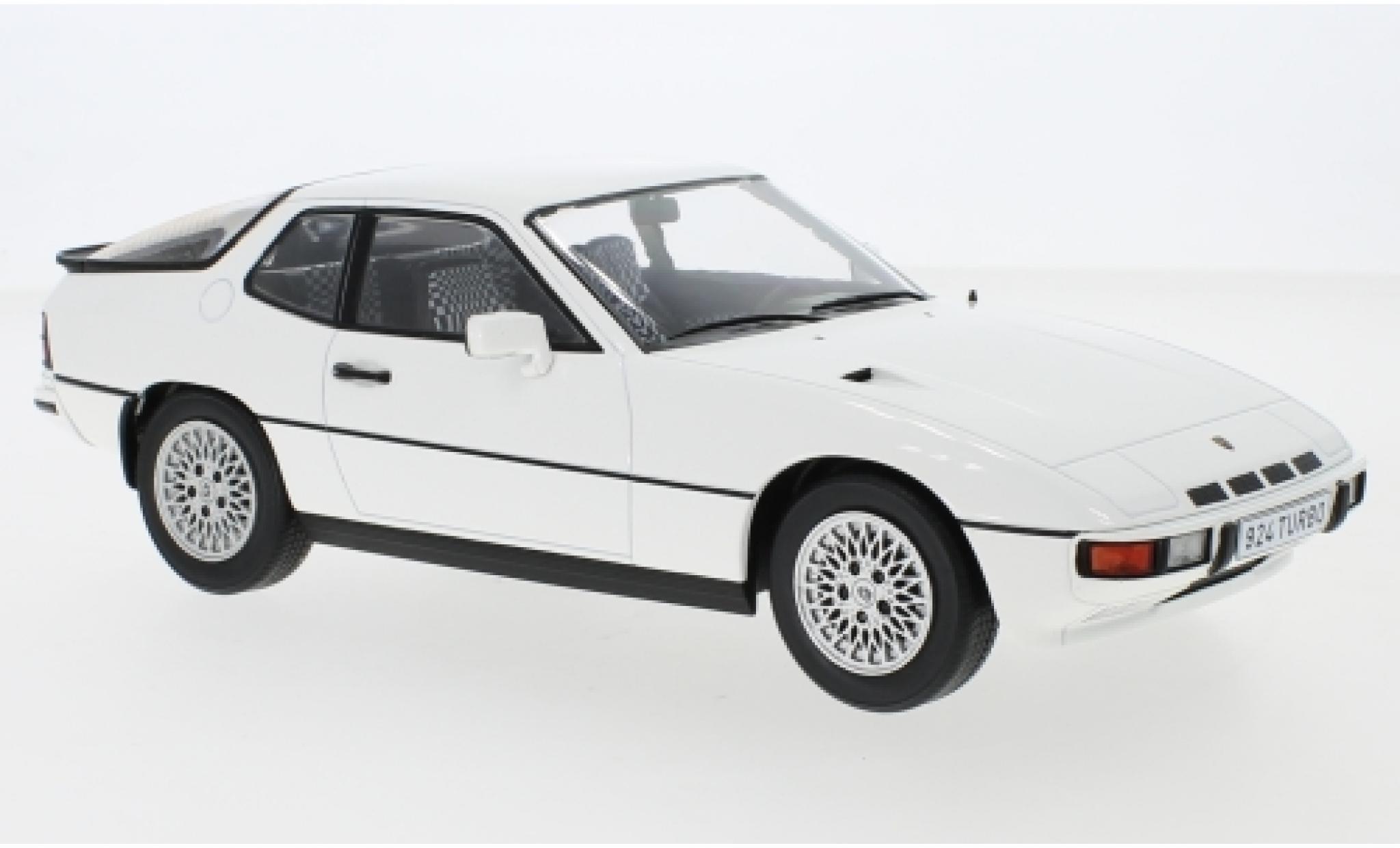 Porsche 924 1/18 MCG Turbo white 1979