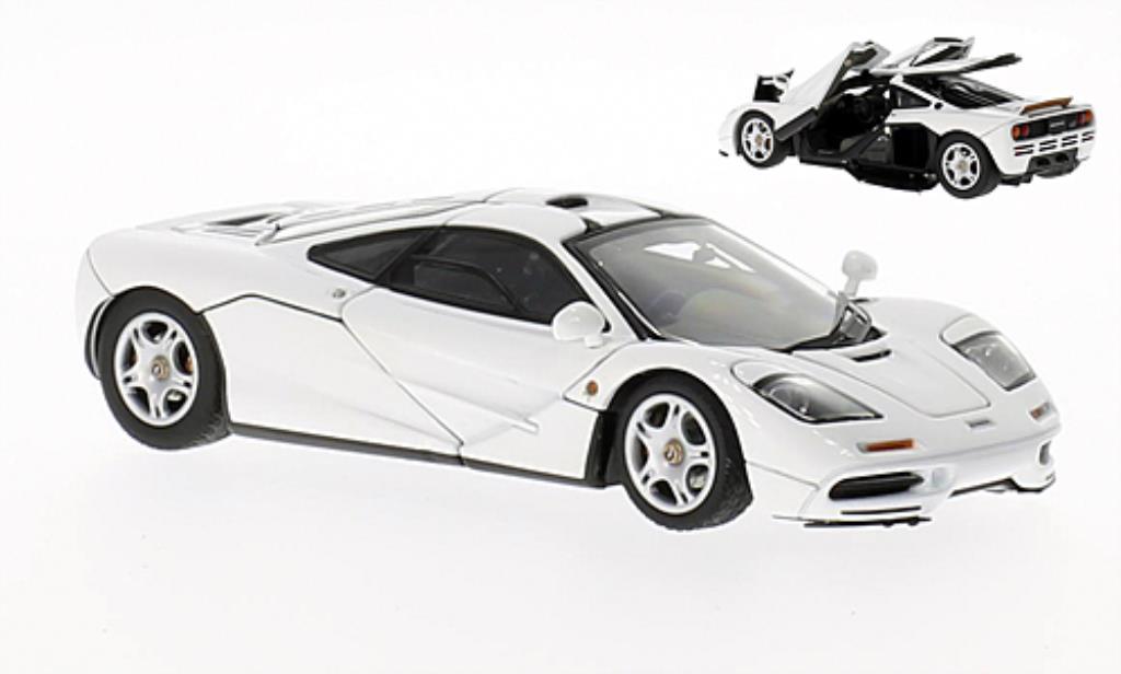 McLaren F1 1/43 Autoart blanche 1994 miniature