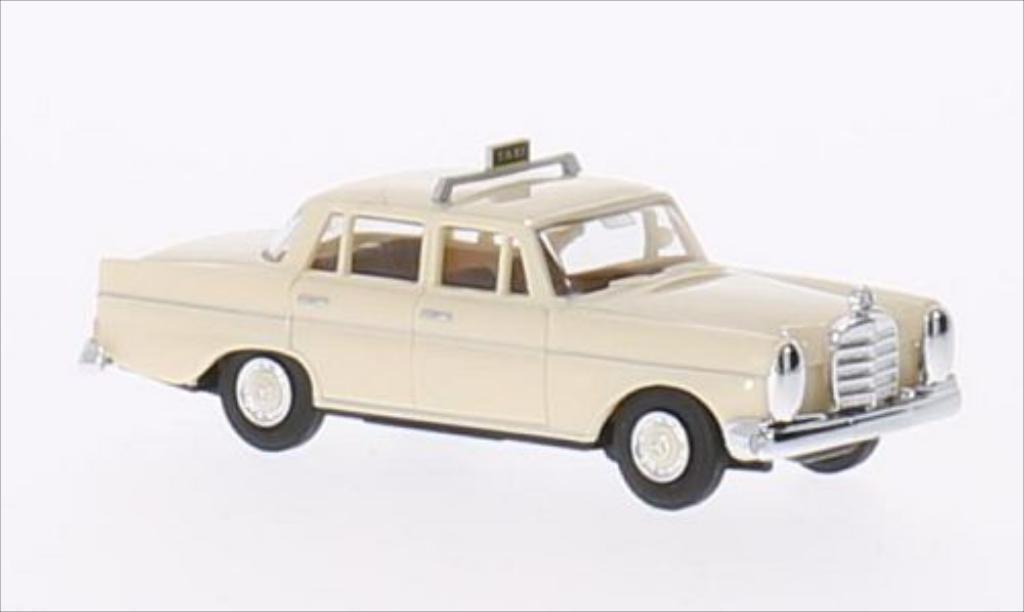 Mercedes 220 1/87 Busch  miniature