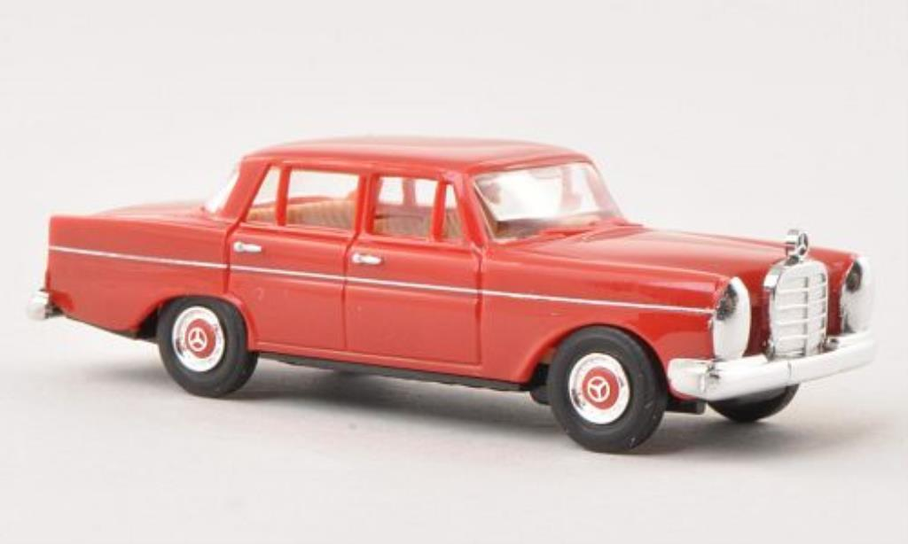 Mercedes 220 1/87 Busch rouge 1959