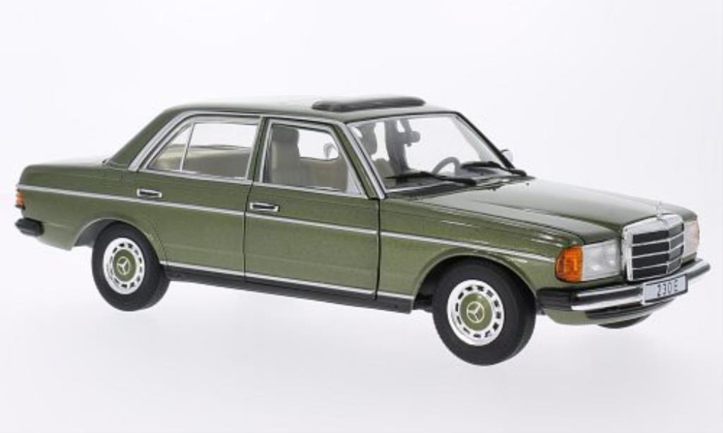 Mercedes 230 E W123 Green Revell Diecast Model Car 1 18