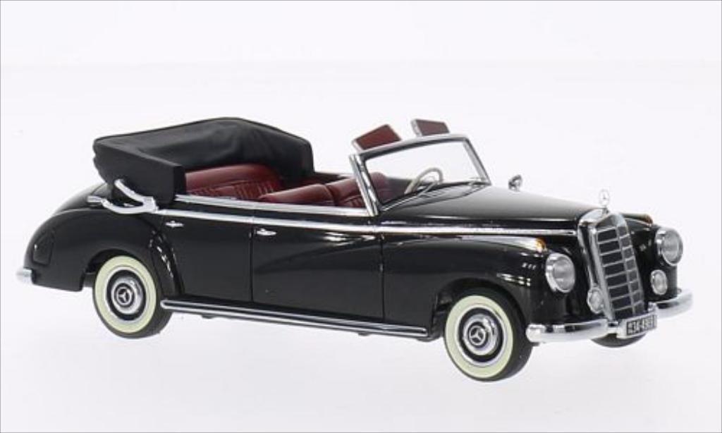 Mercedes 300 1/43 Minichamps Cabriolet (W186) noire 1952 miniature