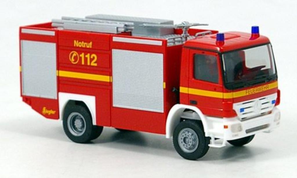 Mercedes Actros S TLF 24/60 Feuerwehr 2002 Herpa. Mercedes Actros S TLF 24/60 Feuerwehr 2002 Pompier miniature 1/87