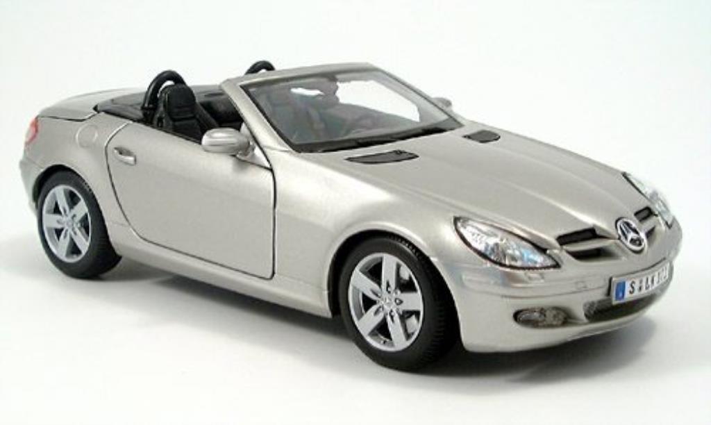 Mercedes Classe SLK 1/18 Maisto grisegrise offen 2004 miniature