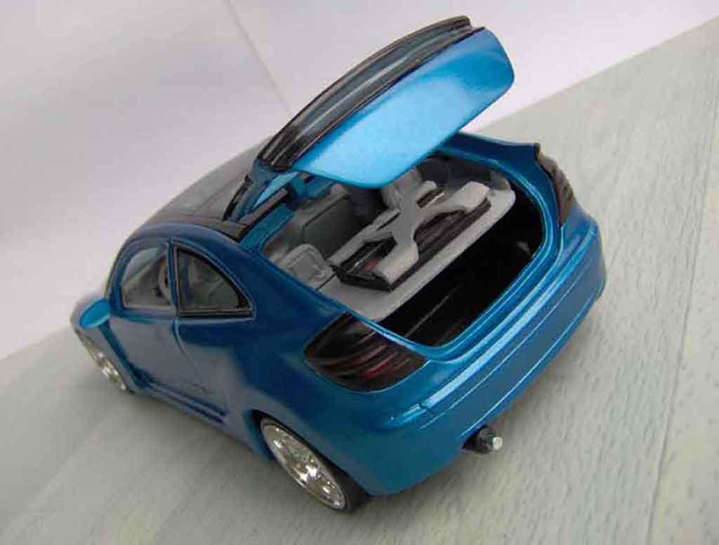 Mercedes Classe C 1/18 Maisto compact kompressor