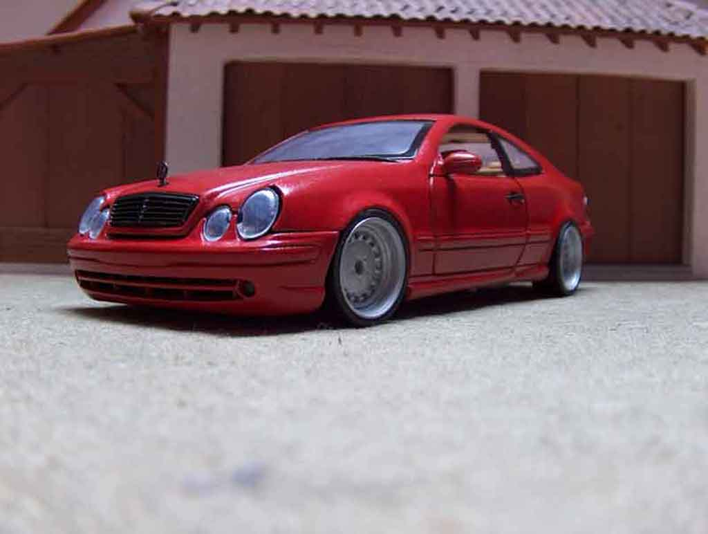 Mercedes Classe CLK AMG 1/18 Anson german look rouge candy tuning miniature
