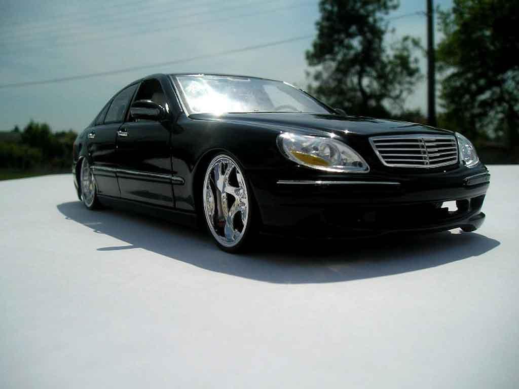Mercedes Classe S 500 1/18 Maisto dub noire jantes chromees 18 pouces tuning miniature