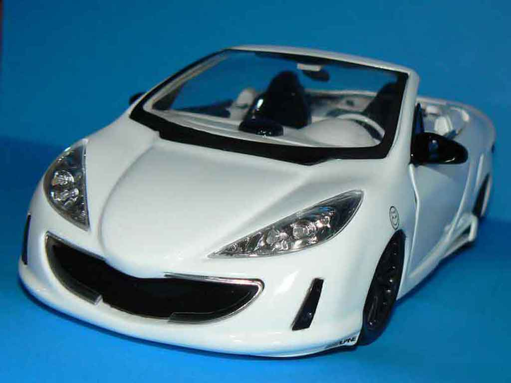 Peugeot 307 CC 1/18 Solido concept car tuning miniature