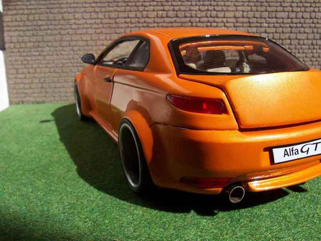 Alfa Romeo GT 1/18 Welly kit large arancione mecanique mtk18