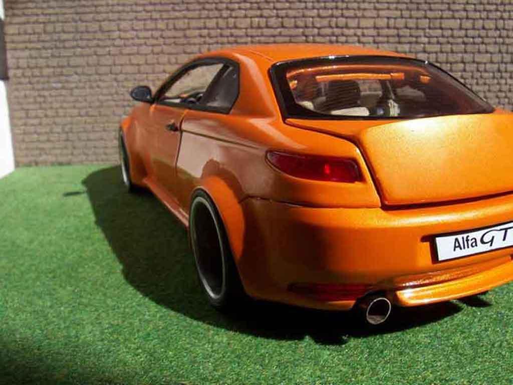 Alfa Romeo GT 1/18 Welly kit large orange mecanique mtk18