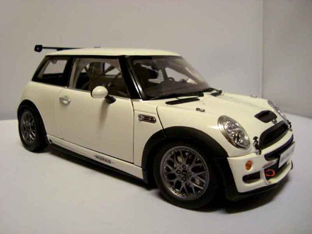 mini cooper jcw challenge s john cooper kyosho modellauto. Black Bedroom Furniture Sets. Home Design Ideas