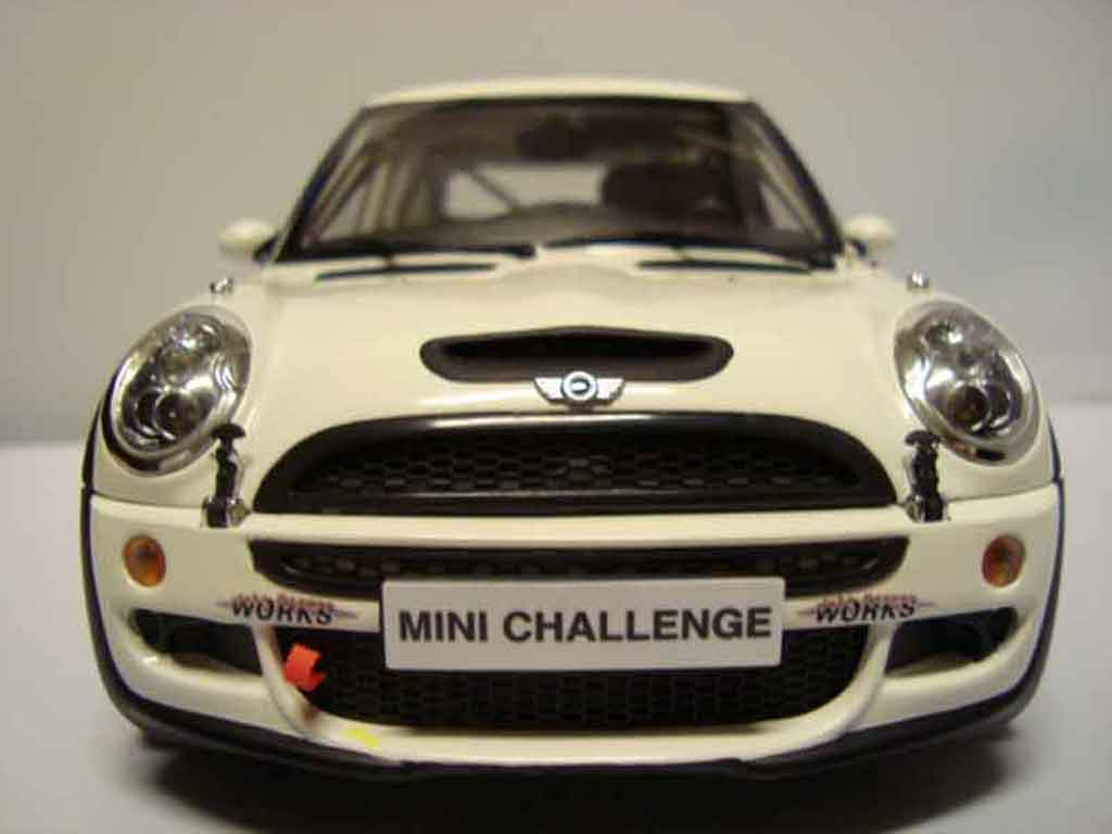 Mini Cooper JCW 1/18 Kyosho challenge s