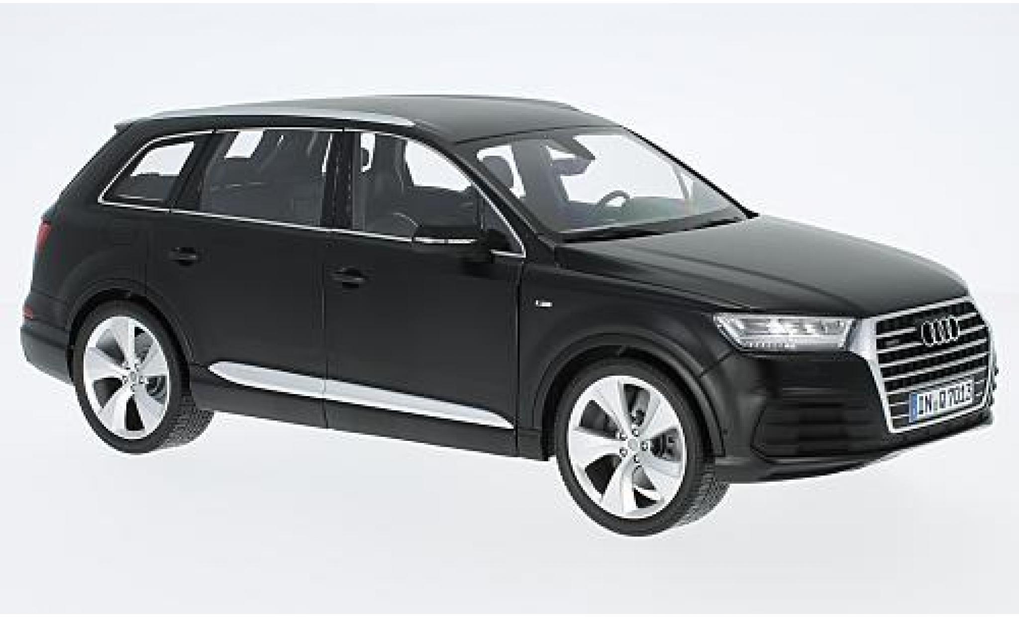 Audi Q7 1/18 Minichamps matt-noire 2015