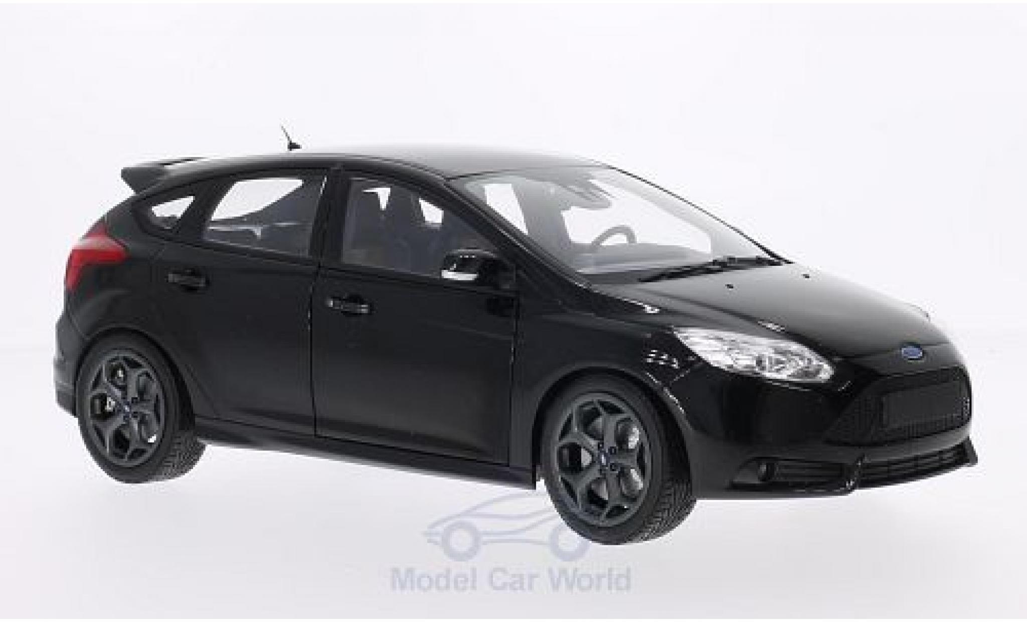 Ford Focus ST 1/18 Minichamps metallise noire 2011