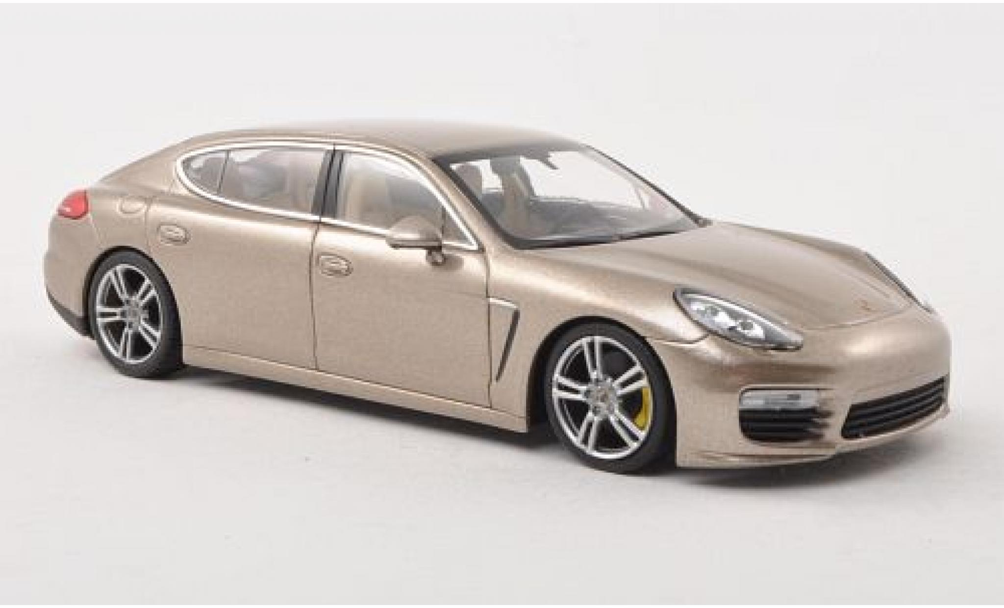 Porsche Panamera Turbo S 1/43 Minichamps Executive metallise beige 2016