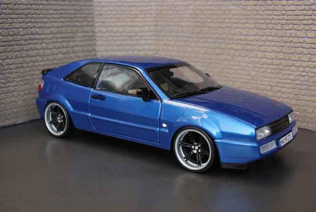 Volkswagen Corrado VR6 1/18 Revell bleu metallized tuning miniature