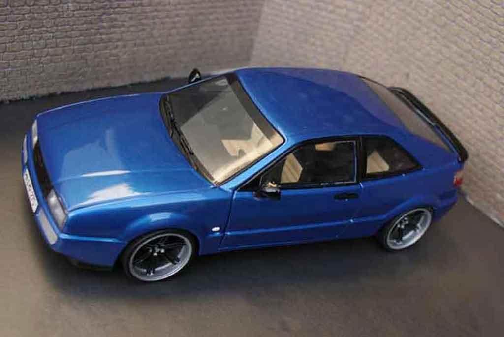 Volkswagen Corrado VR6 1/18 Revell bleu metallized