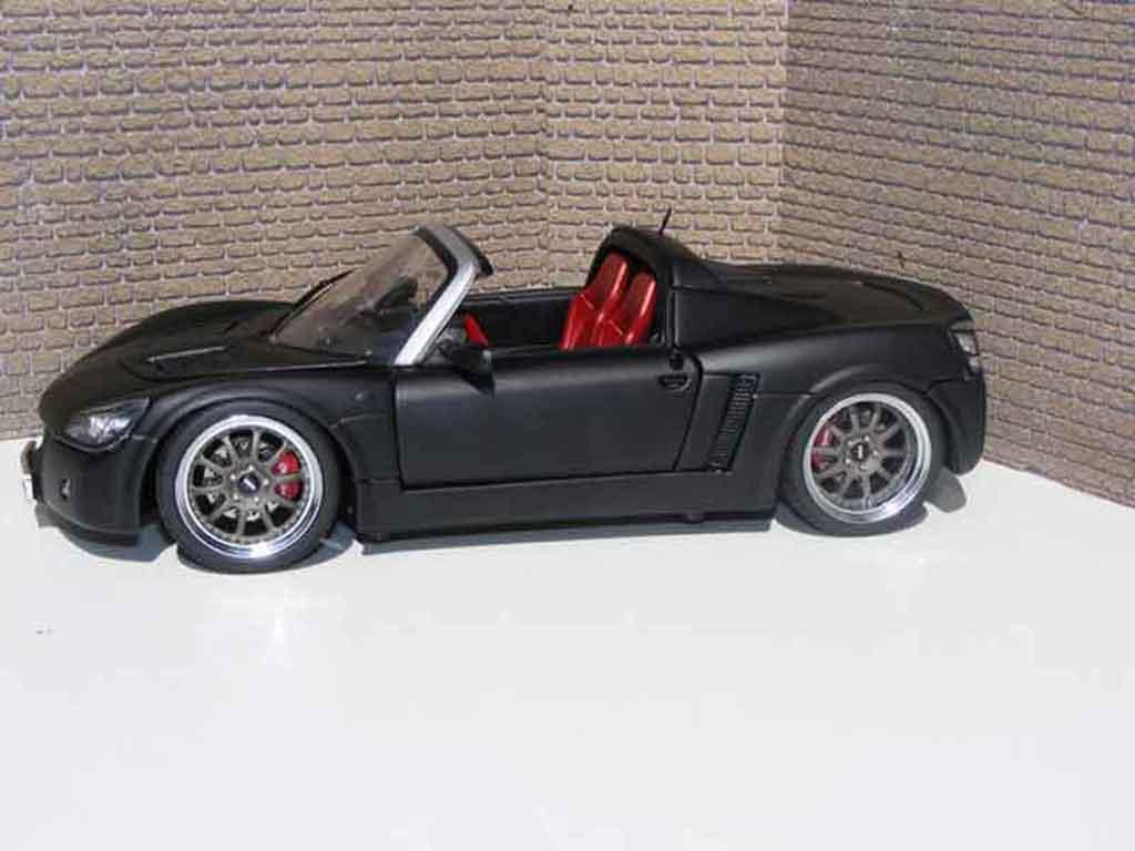 Opel Speedster 1/18 Welly noir blackhawk