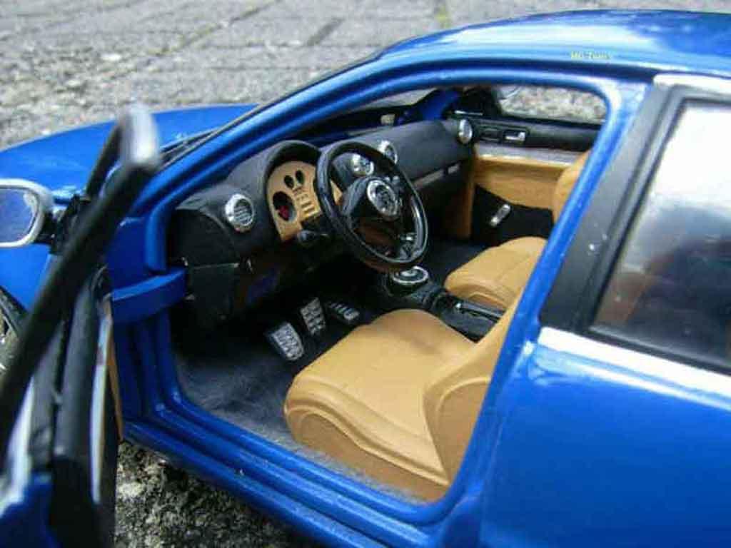Auto miniature Audi RS4 bleue tuning Norev. Audi RS4 bleue miniature 1/18