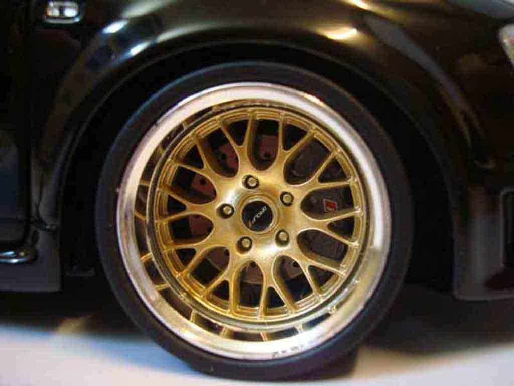 Audi RS4 1/18 Minichamps noire jantes bbs