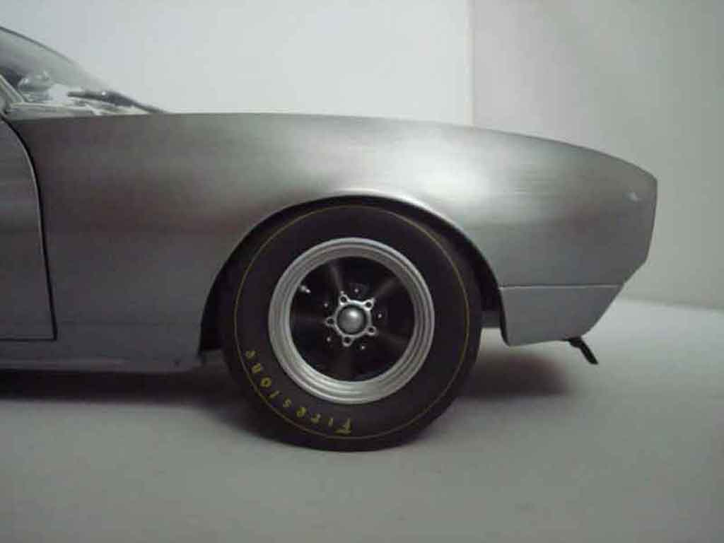 Chevrolet Camaro Z28 1/18 GMP brushed aluminum gray 1967