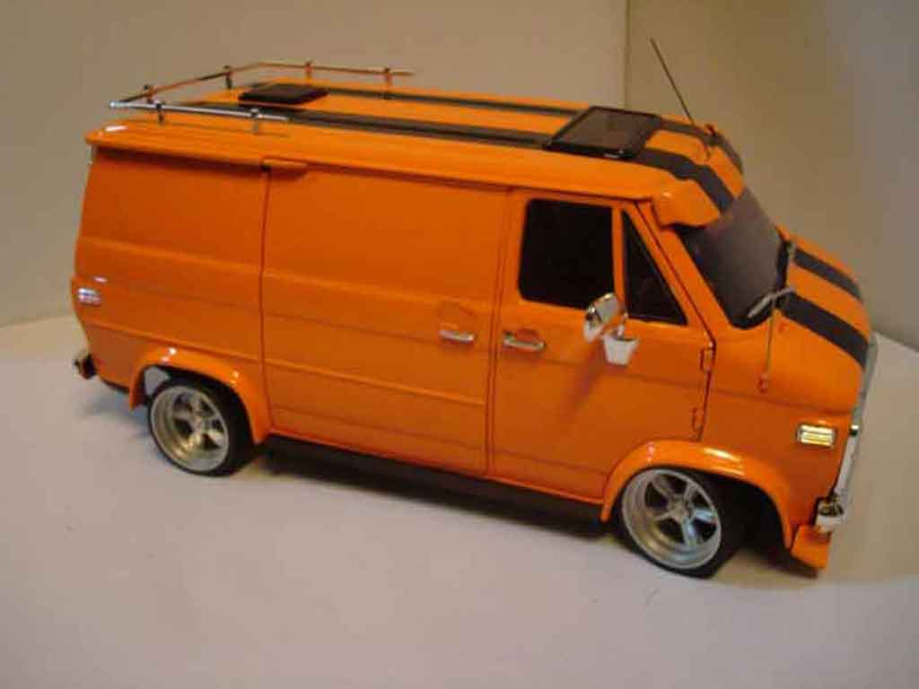 Chevrolet Van 1/18 Highway 61 orange