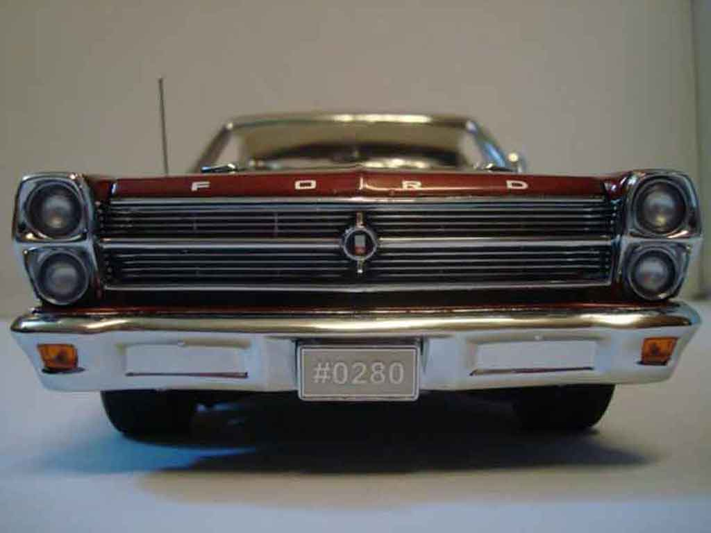 Ford Fairlane 1966 1/18 GMP 390 c.i. 4 speed street ember glow miniature