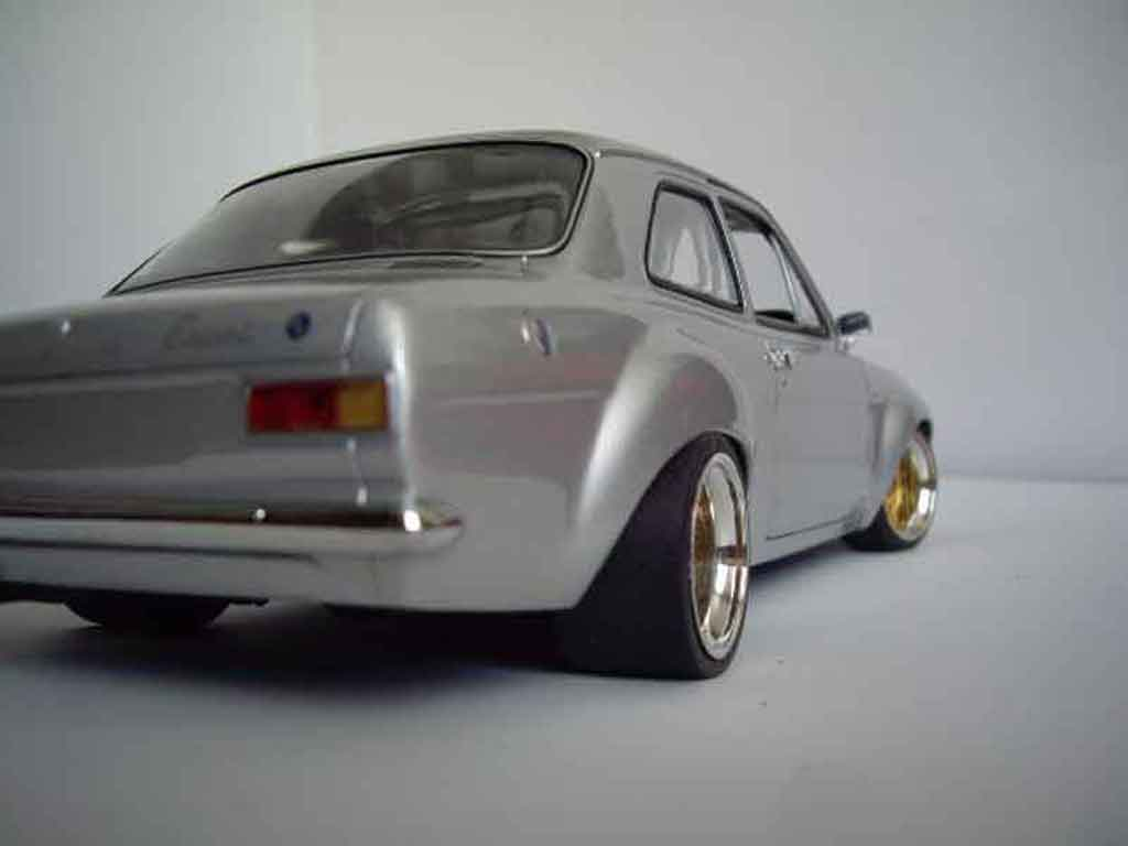 Ford RS 1600 1/18 Minichamps gray jantes nid dabeilles