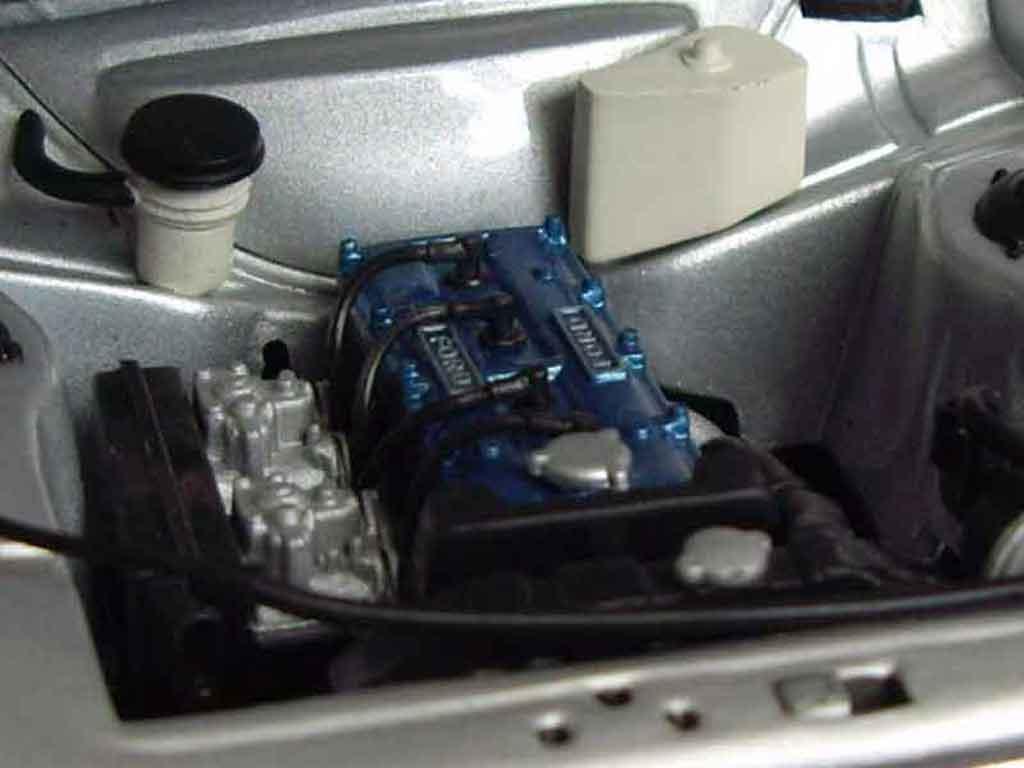 Ford RS 1600 1/18 Minichamps grigia jantes nid dabeilles