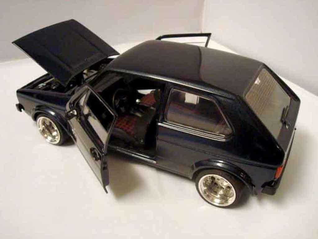 Volkswagen Golf 1 GTI 1/18 Solido German Look pneux flancs tendus