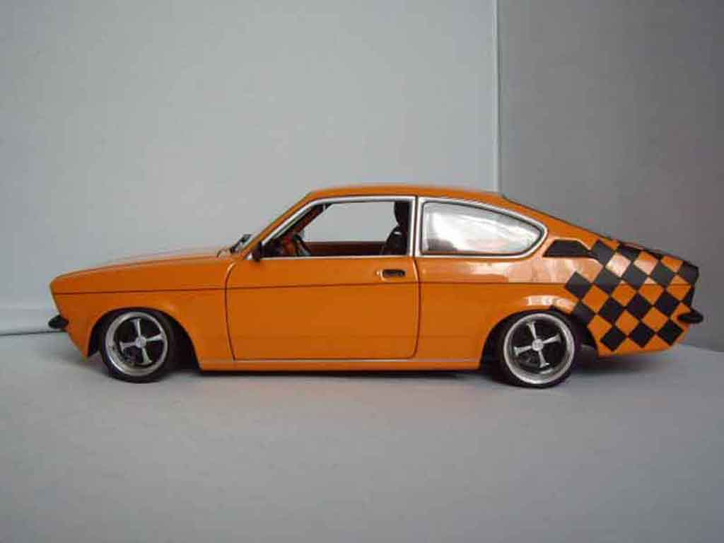 opel kadett coupe sr 1976 orange minichamps modellauto 1. Black Bedroom Furniture Sets. Home Design Ideas