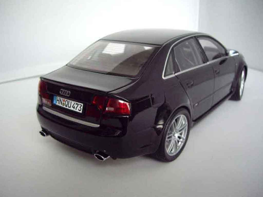 audi rs4 schwarz minichamps modellauto 1 18 kaufen. Black Bedroom Furniture Sets. Home Design Ideas