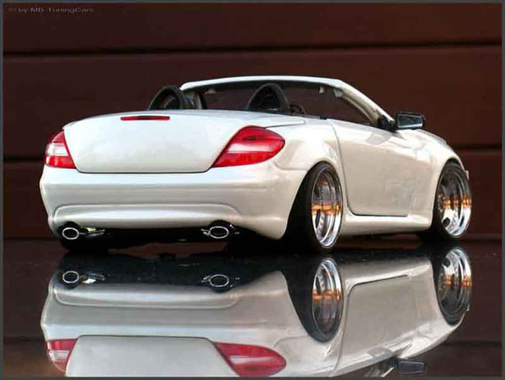 mercedes slk 350 maisto modellauto 1 18 kaufen verkauf. Black Bedroom Furniture Sets. Home Design Ideas