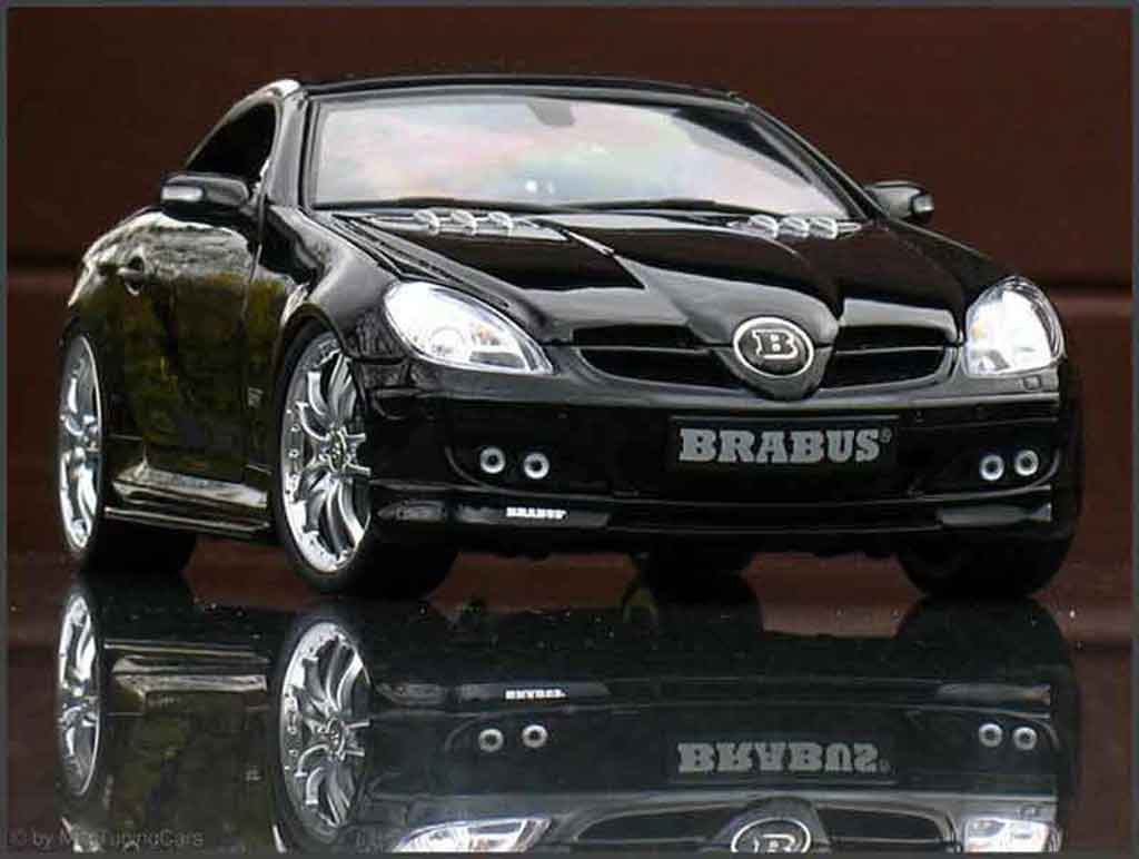 Mercedes Classe SLK 1/18 Maisto noire brabus tuning miniature