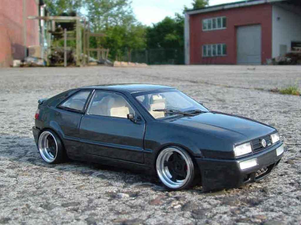 Volkswagen Corrado VR6 1/18 Revell jantes bords larges tuning modellino in miniatura