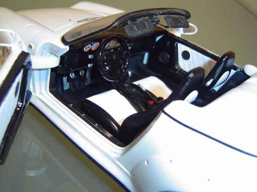 Porsche 993 GT2 1/18 Ut Models speedster