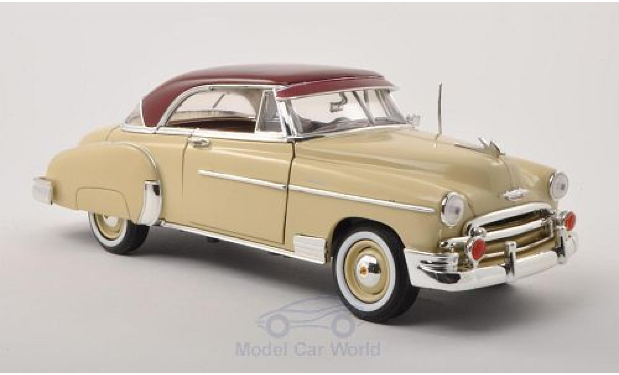 Chevrolet Bel Air 1/18 Motormax beige/rouge 1950