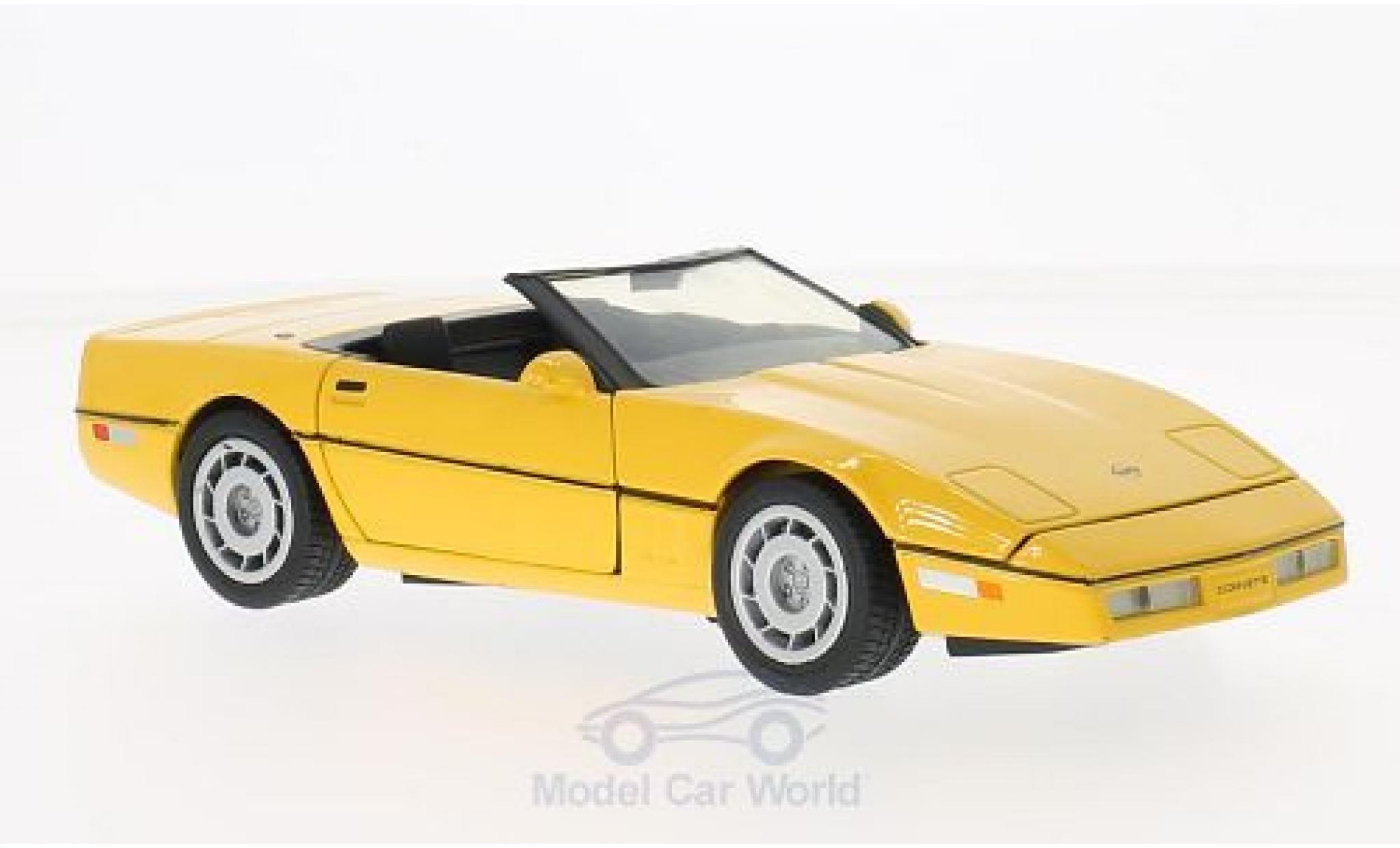Chevrolet Corvette C4 1/24 Motormax Convertible (C4) jaune 1986