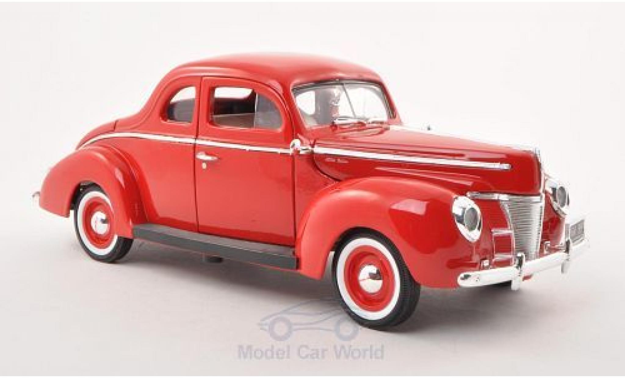 Ford Deluxe 1/18 Motormax rouge 1940