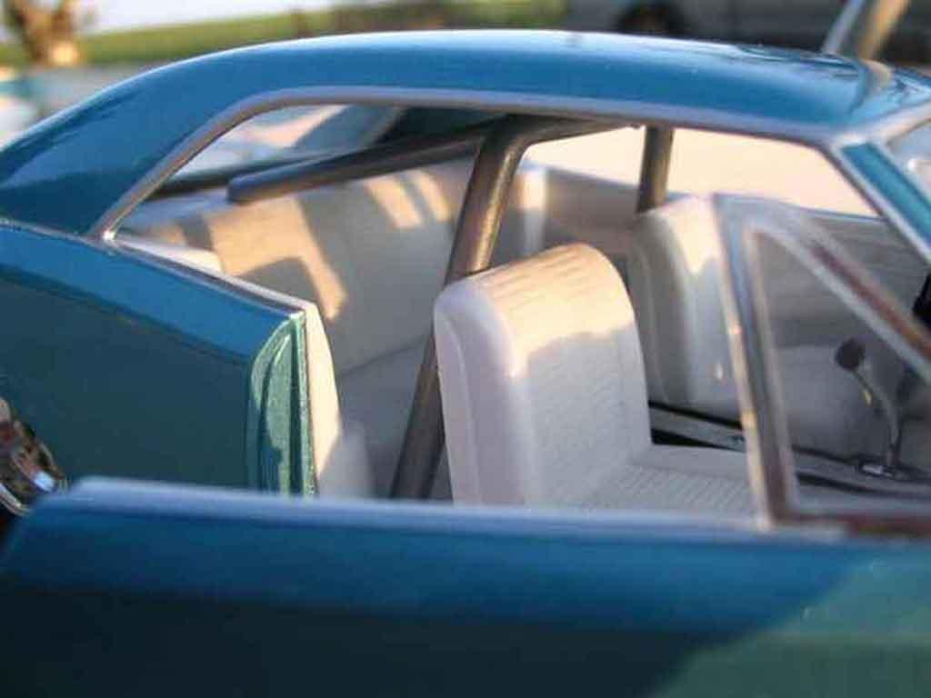 Pontiac GTO 1/18 Hot Wheels 1966 moteur corvette drag