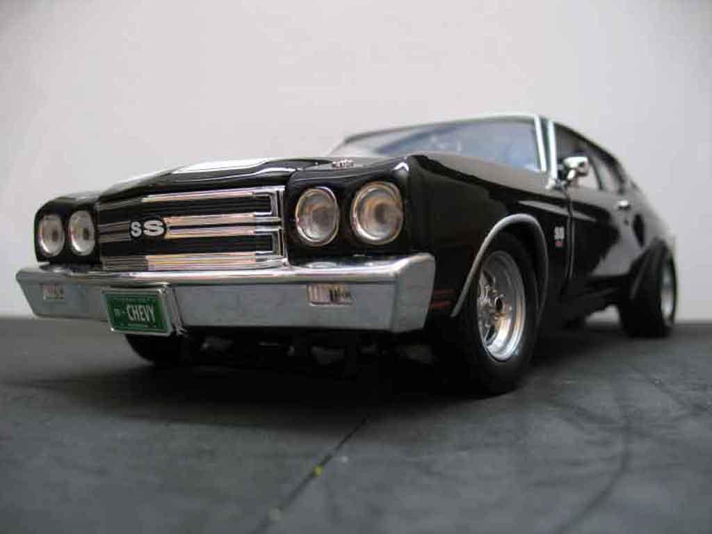 Chevrolet Chevelle 1970 1/18 Ertl ss noire jantes drag tuning miniature