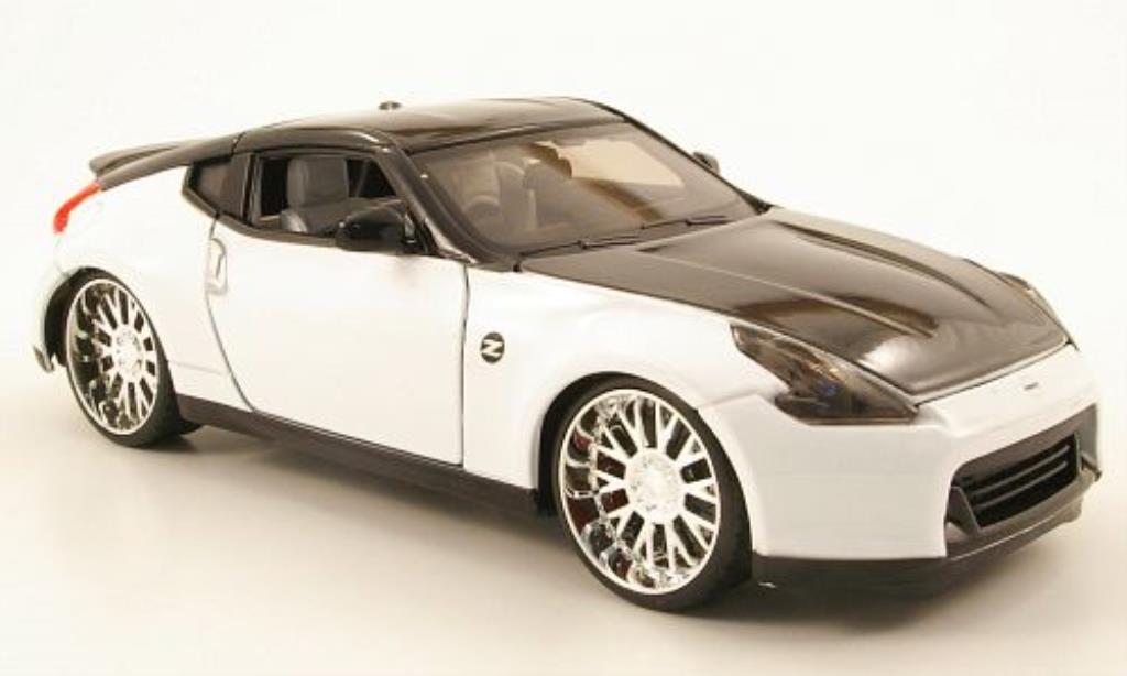 nissan 370z miniature blanche noire tuningversion 2009 maisto 1 24 voiture. Black Bedroom Furniture Sets. Home Design Ideas