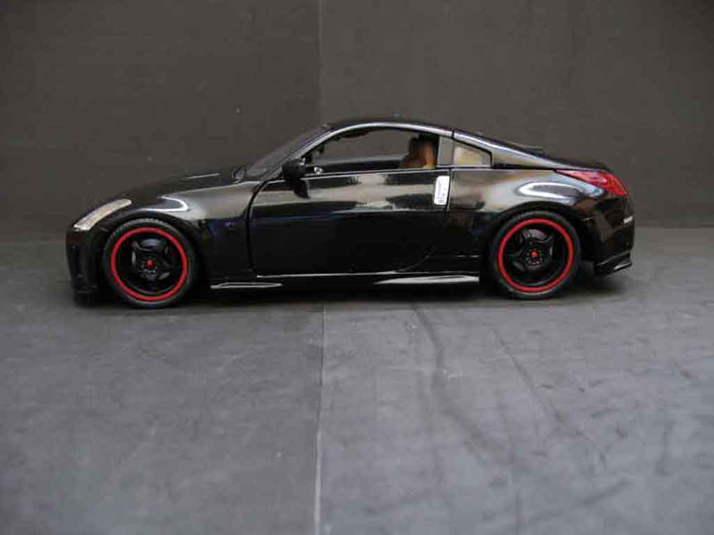 Nissan 350Z coupe evolution tuning black wheels blacks Maisto 1/18
