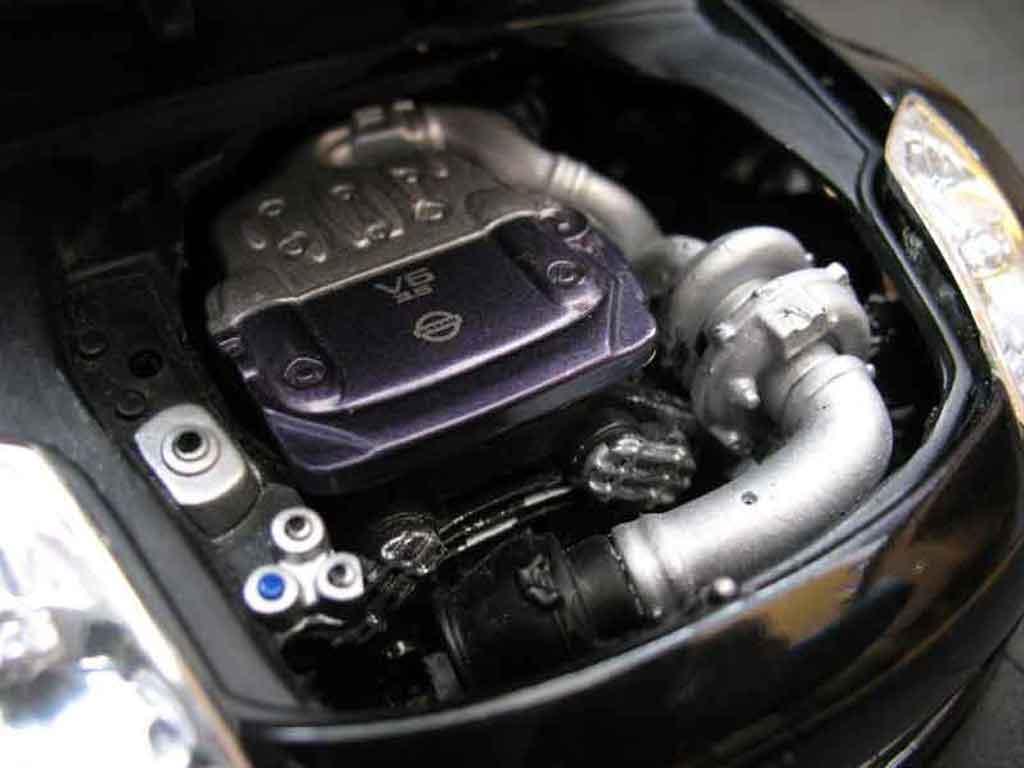 Nissan 350Z 1/18 Maisto coupe preparation tuning noire jantes noires