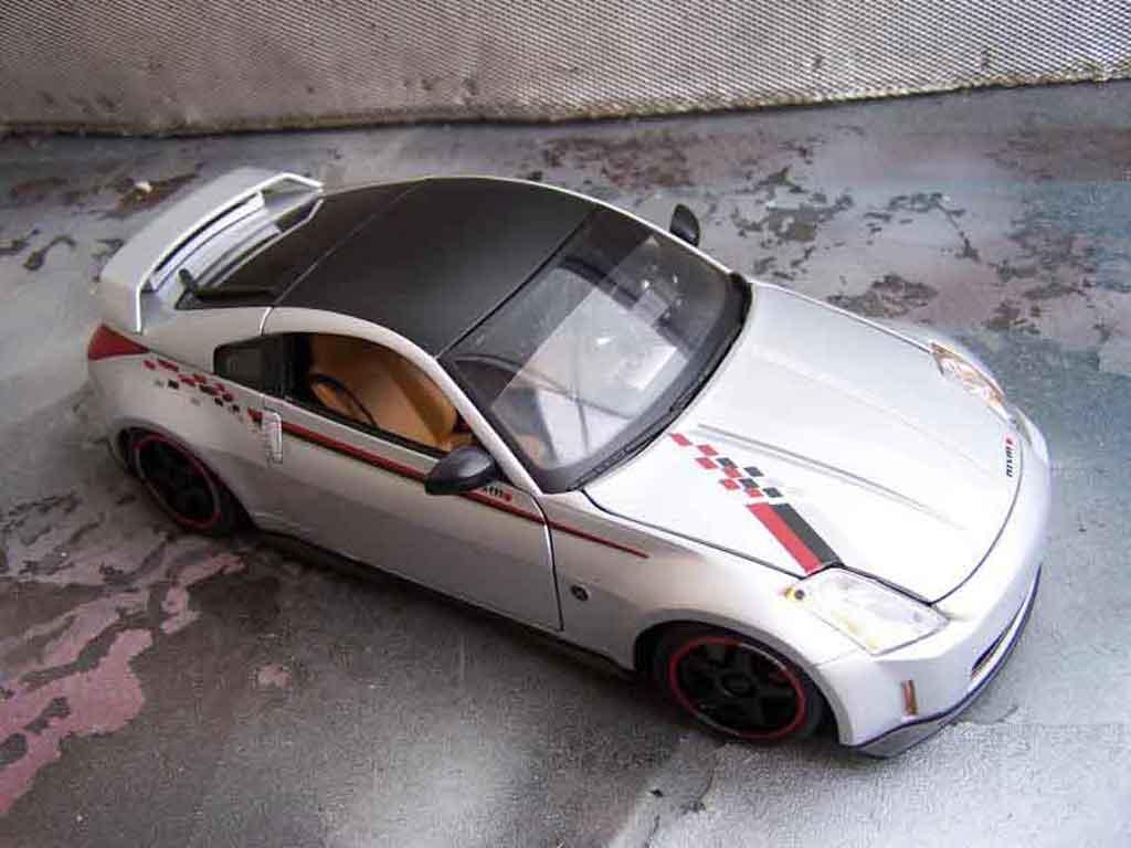 Modèle réduit Nissan 350Z Nismo s-tune jantes oz tuning Autoart. Nissan 350Z Nismo s-tune jantes oz miniature 1/18