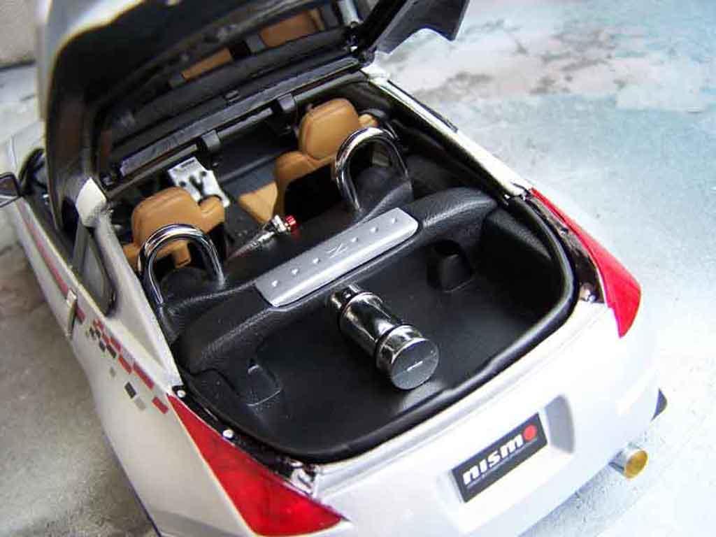 Nissan 350Z Nismo s-tune jantes oz tuning Autoart. Nissan 350Z Nismo s-tune jantes oz miniature auto miniature 1/18