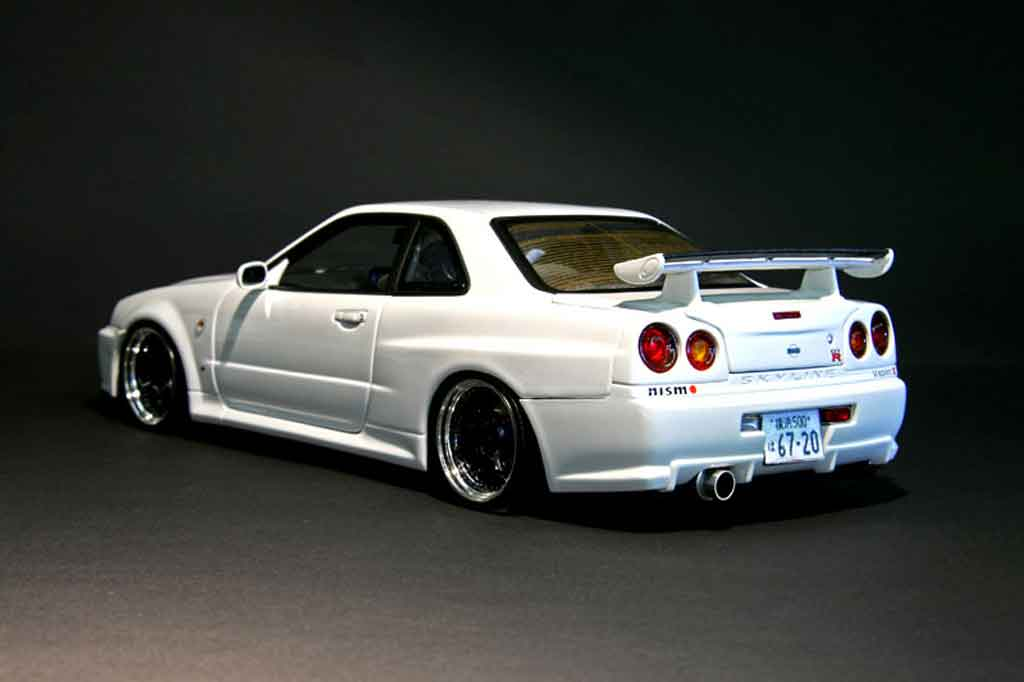 nissan skyline r34 blanche gt r nismo autoart modellauto 1. Black Bedroom Furniture Sets. Home Design Ideas