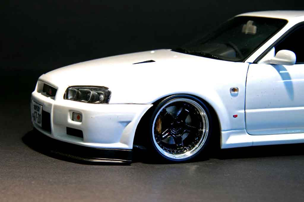 nissan skyline r34 blanche gt r nismo autoart modellini. Black Bedroom Furniture Sets. Home Design Ideas