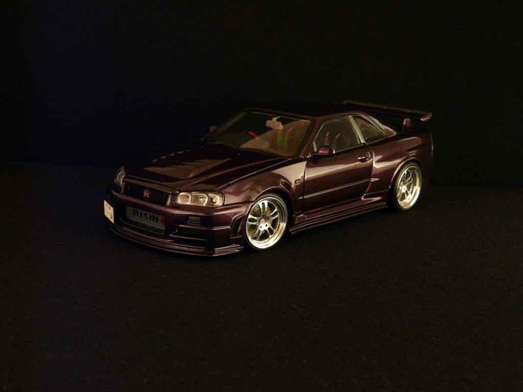 Nissan Skyline R34 1/18 Autoart z-purple
